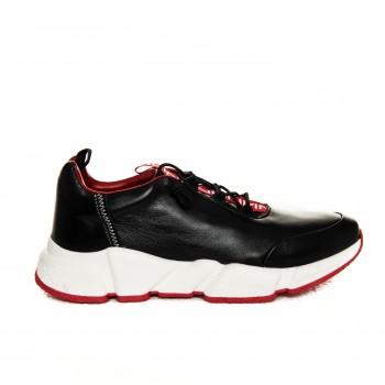 Sneaker - Black Hood