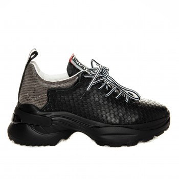 Sneakers - Black Scale